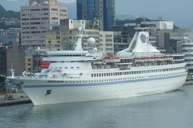 oriental-dragon-cruise-ship-1
